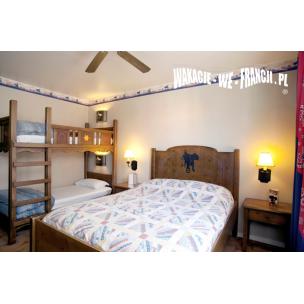 DISNEYLAND - HOTEL CHEYENNE - przykładowy pakiet dla 4 osób